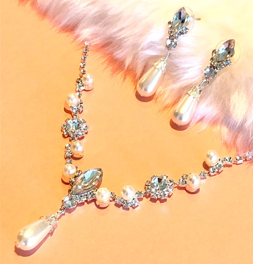 ✨💎Ensemble Romantique Strass et Perles  ⭐️#FollowForFollow #bride #mariée #Pearls #Diamonds #wedding #Mariage #Bal #Gala #FastShipping