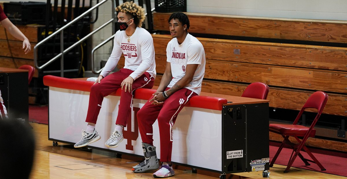 Big parts of Indiana's future backcourt sitting this one out today as Parker Stewart and Armaan Franklin watch there teammates warm up. #iubb