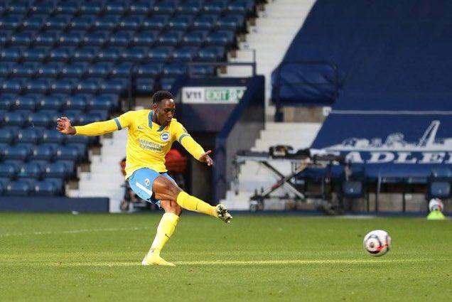 Brighton es el primer equipo de la historia en fallar dos penales en un mismo partido pegándoles al palo en un mismo partido de la Premier League.