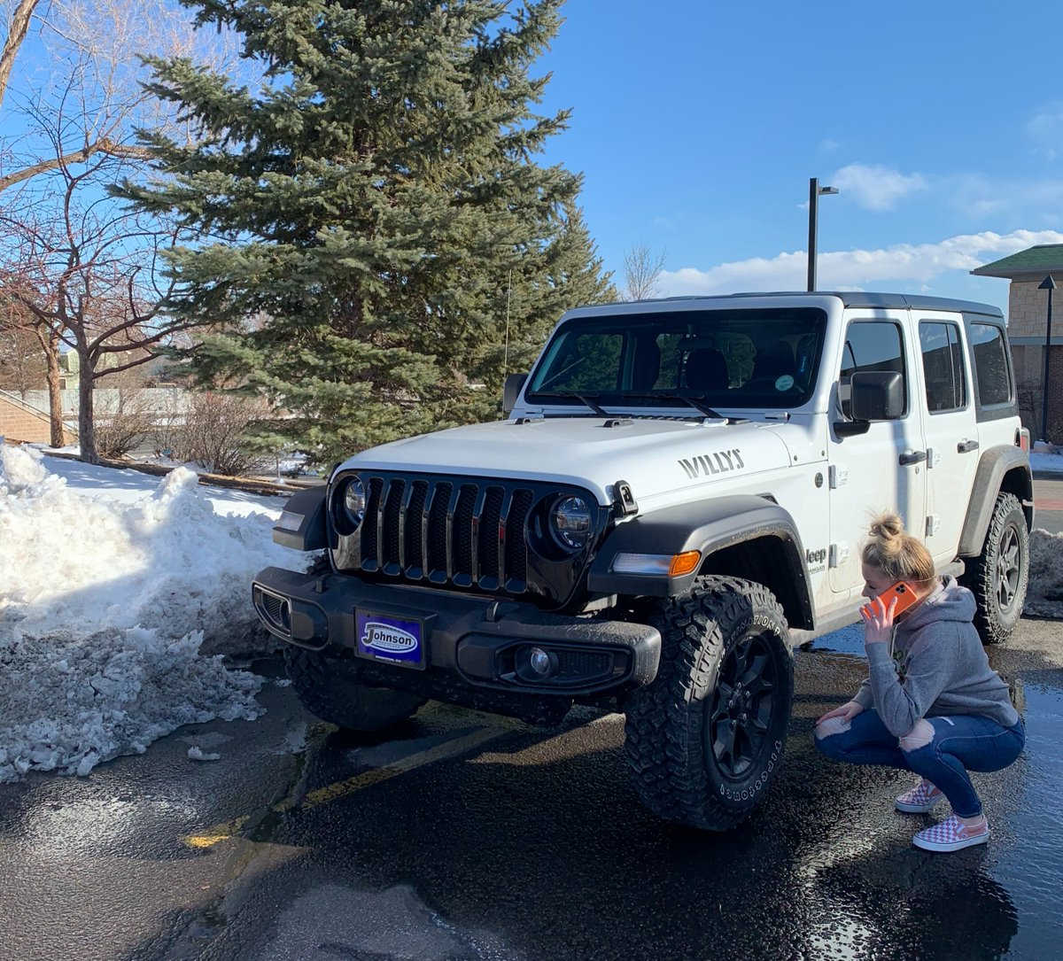Emergency roadside assistance is a great thing to have on your auto policy for all the unexpected! Call our office to confirm you have it or to add it on your policy! #statefarm #teamsisler #louisvillecolorado #insurance #roadside #whitejeep #wrangler