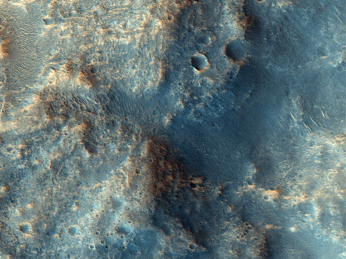 """HiPOD 27 Feb 21: A Plateau in Ares Vallis This channelized area is near the source region of the huge outflow channel, Ares Vallis. It was at the distal end or """"long-ways down-river-area"""" where the Pathfinder/Sojourner mission landed on 4 July 1997. uahirise.org/hipod/ESP_0388…"""
