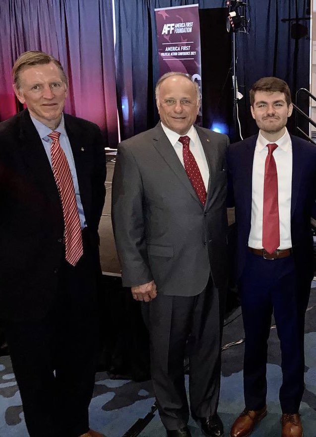 Here is Cong Paul Gosar (R-AZ) and ex-Cong Steve King (R-IA) proudly posing with white supremacist, Holocaust denier and Jan 6 insurrectionist Nick Fuentes at his white supremacist AFPAC event yesterday. @GOPLeader @HouseGOP