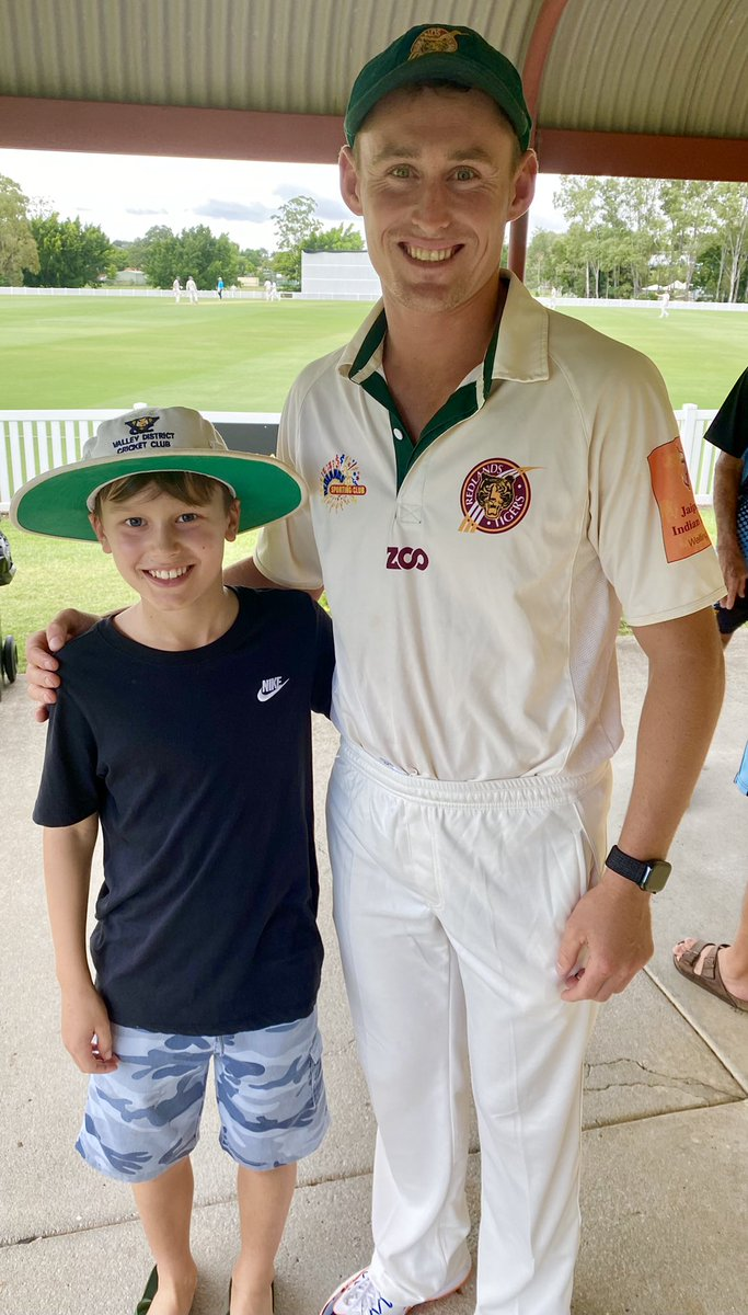 How good is cricket - one of the world's best bats playing local grade cricket in Brissy on his weekend off - and happy to take time for the kids ... little things like this make a lifetime memory for the next generation! #bravo @marnus3cricket 🙌🏏