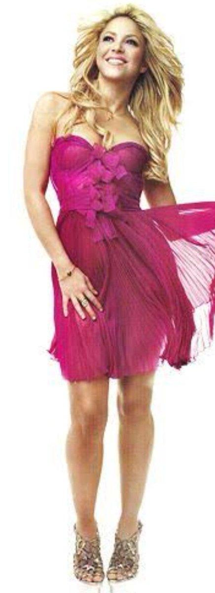 @shakira Happy Saturday!!!💞💗💖 #SaturdayVibes #shakira #USA #fashion #actress #modern