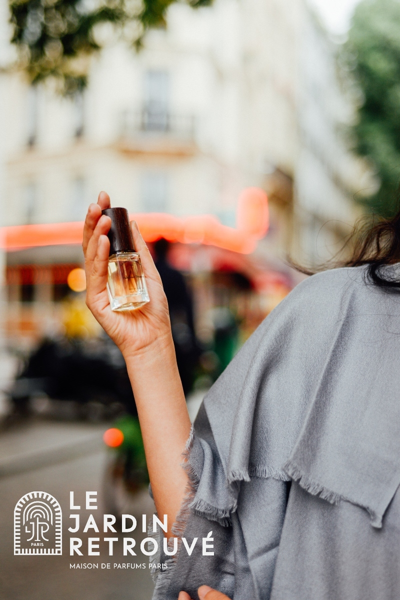 Our 15ml petit flacons are the perfect size for perfume on the go!  AND they're refillable. Get one with our Le Necessaire or buy separately here  #lejardinretrouve #sustainable #refills #ecofriendly #familybusiness #FridayFeeling  #niche #Paris #fragrance