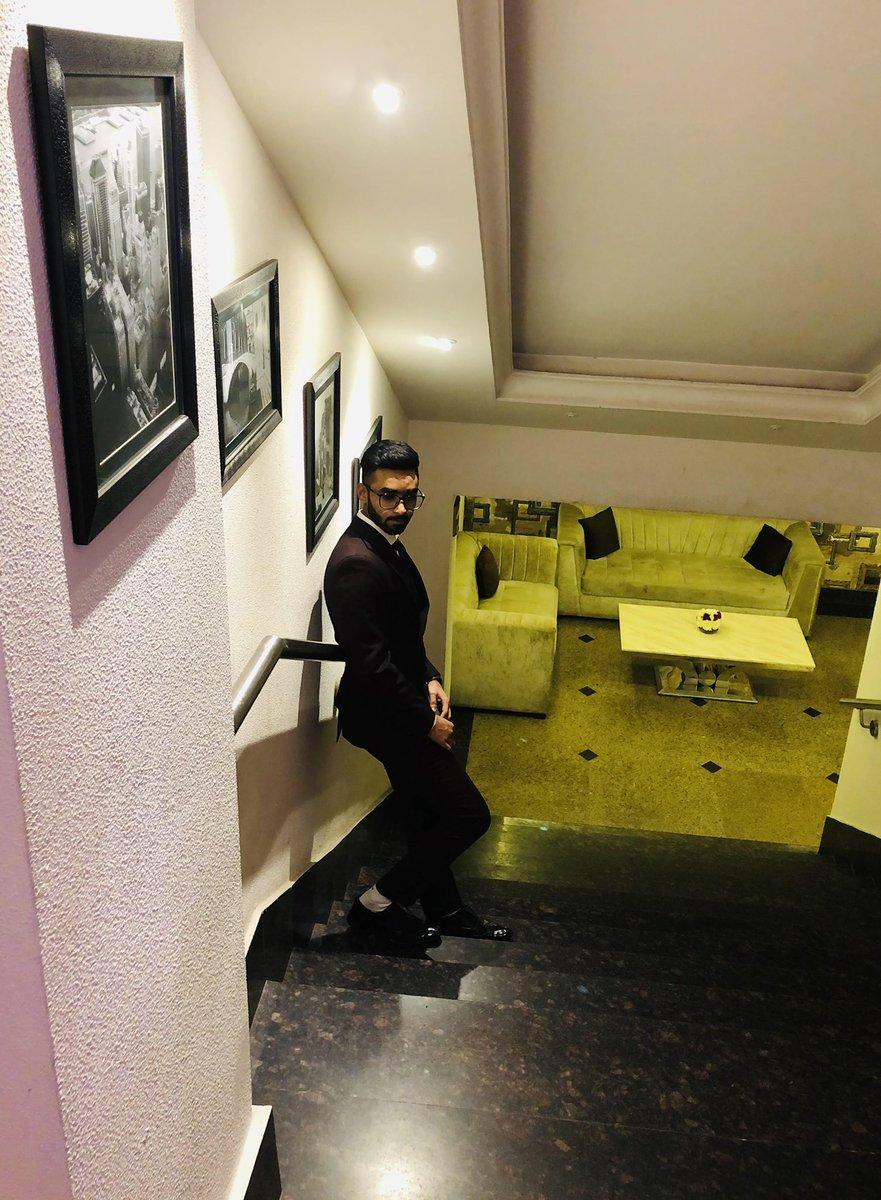 🤎 #tarun_98 #menswear #mensoutfit #mensfashion #mensstyle #dapper #fashionblogger #fashion #style #lifestyle #travel #explore #raw #classic #luxury #delhiblogger #menshair #newpost #instagood #instadaily #fashionyoutuber #ootd #instafashion #indianfashionblogger #mensfashion