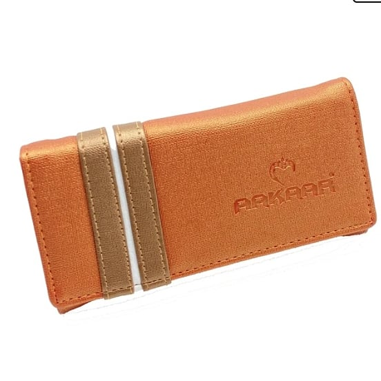 Introducing our exclusive collection of wallet 😍 Price- Rs 450 Buy this beautiful wallets on👇   #wallets #walletfashion #walletlove #walletforwomen #walletforgirls #onlinestore #onlineshopping #walletbranded #walletforall #walletlove #heerbags #aakaarbags