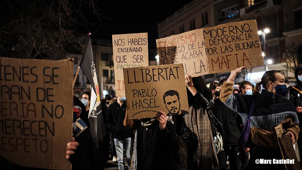 Ahir a #Terrassa a la manifestació per la #llibertat #PabloHaselLlibertat  #fotoperiodisme #photography #fujifilm #xpro2