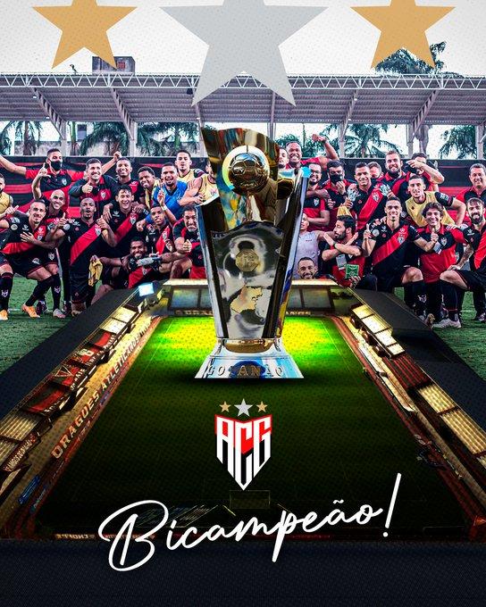 Foto comemorativa postada pelo clube nas redes sociais (Foto: Reprodução/Twitter Atlético-GO)