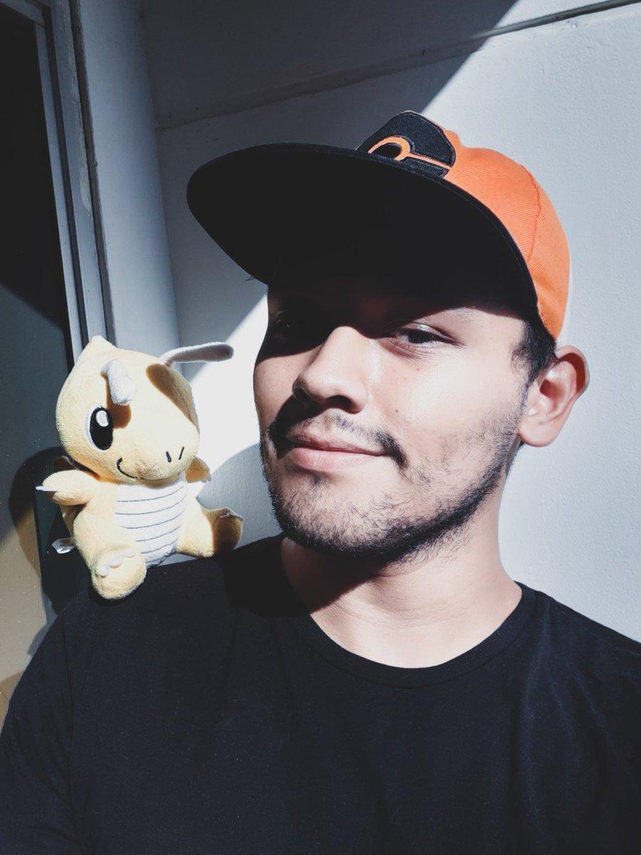 Cambio de foto obligatoria porque #PokemonDay #Pokemon25