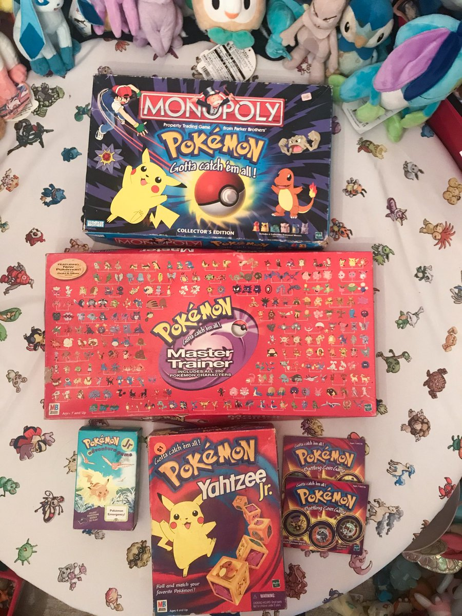 Other games!! Monopoly and Master Trainer are two of the pieces in my collection I'm the most proud to own ^^ I never had enough friends to play with though 😅 #PokemonDay #Pokemon25