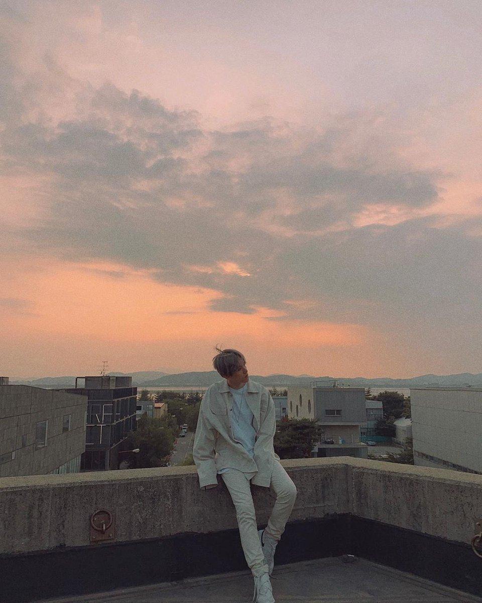 백현아 솔로데뷔 600일 축하해~!!🥳🥰 🤍🤍🤍❤️❤️❤️❤️❤️❤️🤍🤍🤍 #BAEKHYUN #백현  @B_hundred_Hyun