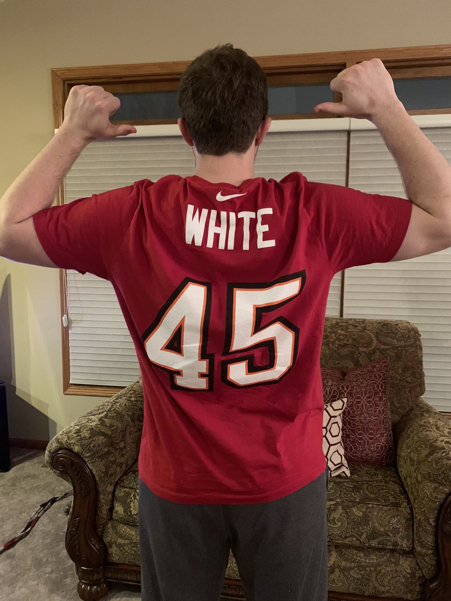 S/O @DevinWhite__40 The best LB in the game right now! Had to get the Super Bowl champions shirsey #Buccaneers #GetLive45