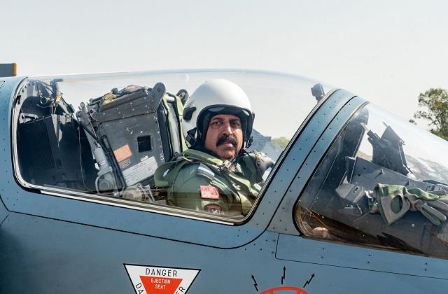 वायुसेना प्रमुख ने बालाकोट एयरस्ट्राइक शूरवीरों के साथ उडाया टारगेट, दिलाई शौर्य की याद   #AirForcechief #BalakotAirstrike #Knights #PulwamaAttack #RKSBhadoria #Punjabkesari #punjabkesarinews