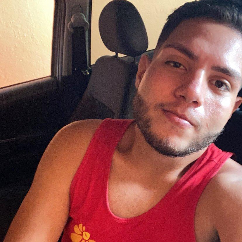 uma selfie paraguaia com cara de cansado, mas toma ae #selfie #me 🤣🤳🏻