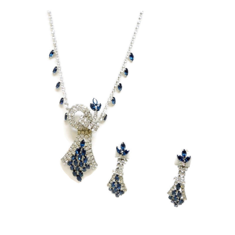 Vintage Art Deco Style Sapphire Blue Crystal Jewelry Set With Clip on Dangle Earrings  #blue #clear #necklace #glass #artdeco #giftforher #junkyardblonde #gotvintage #vintagegift