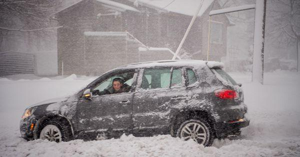 #ICYMI: Car stuck in snow? Try these 5 tips before you get out and push  — via @drivingdotca  #winter #snow #driving