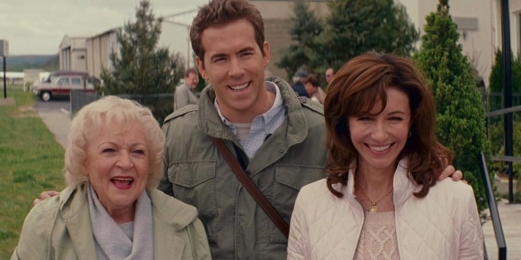 Would I fake a proposal to Ryan Reynolds? Of course. Would I put more effort into said fake proposal to secure Mary Steenburgen as my mother-in-law + Betty White as my grandmother-in-law? 💯 __ Fantasizing being in this family. #TheProposal tonight at 6:05|5:05c on Freeform.