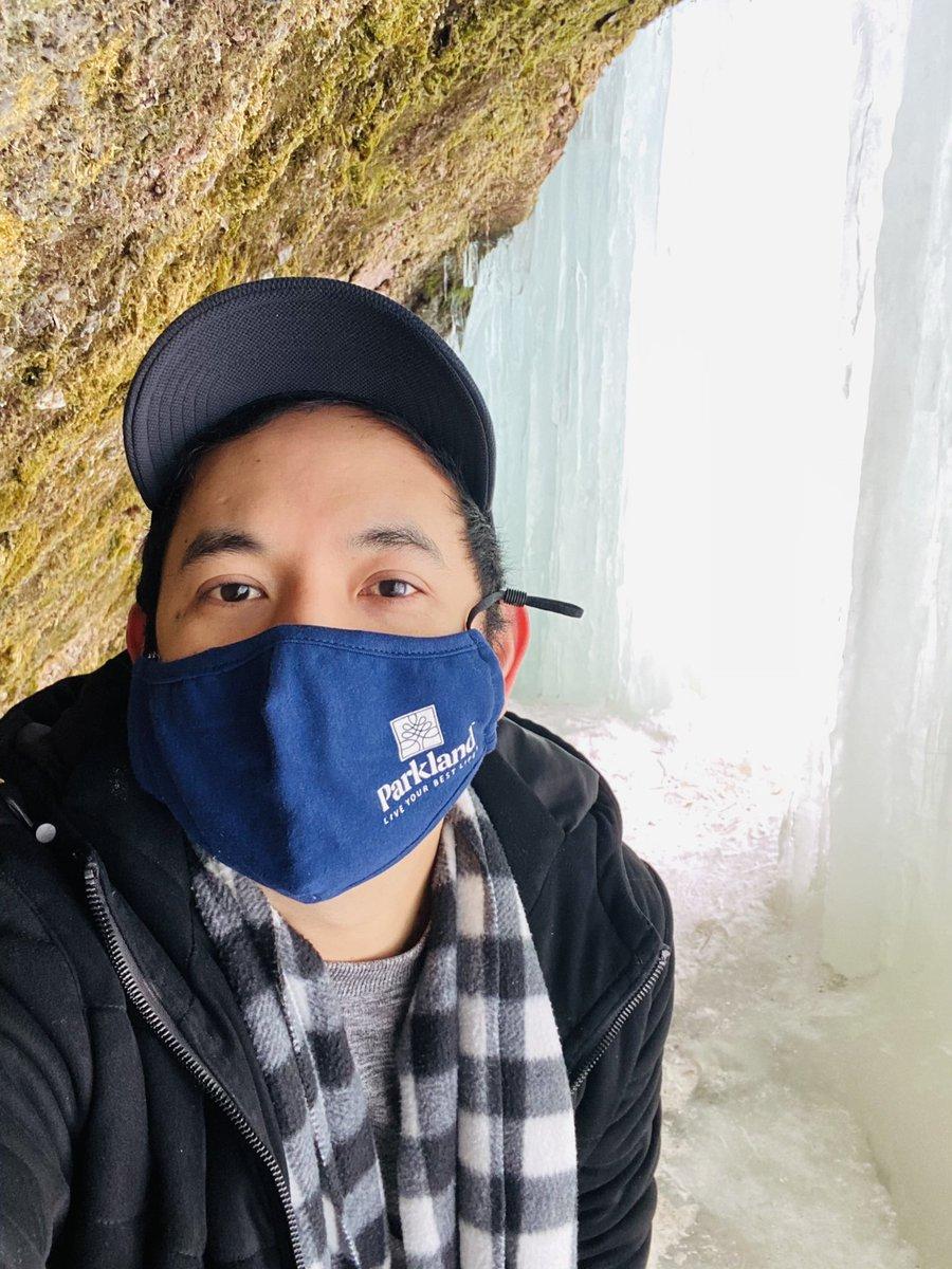 Unexpected weekend getaway #icecaves #winter #icecastle #devilsovenicecaves #amazingview #explore #adventure #facemask