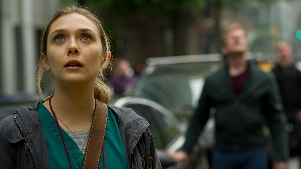 The Queen Elizabeth Olsen is in Godzilla (2014)  #Wanda #WandaMaximoff #TheVision #Pietro #PietroMaximoff #UnclePietro #AgnesTheNeighbor #AgathaHarkness #AgathaAllAlong #DarcyLewis #JimmyWoo #MonicaRambeau #WandaVision #Godzilla4K #Godzilla #Kong #GodzillaVsKong