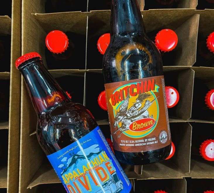 FARM FRESH DEALS  $33 bucks a case for retro label Britchin Brown Ale, Appalachian Divide Ale or a mix case of both #craftbeer #beer #SaturdayVibes #Saturday #sunday