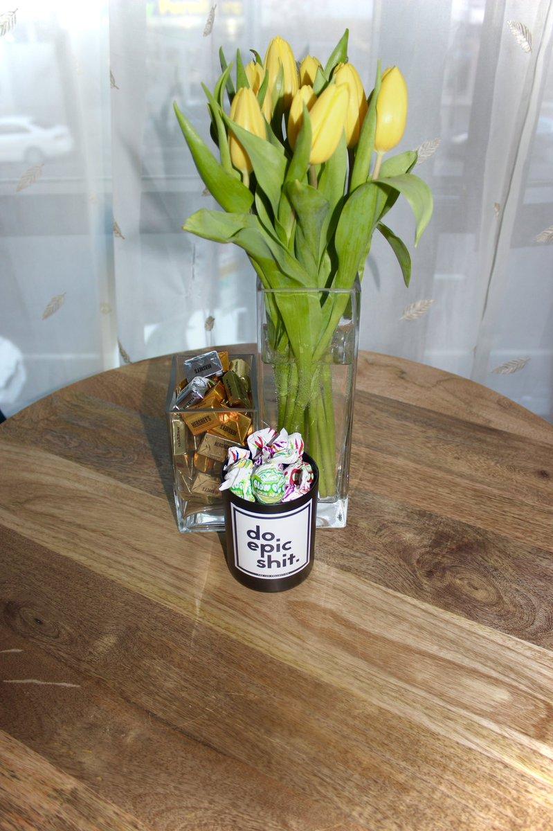 #yellowtulips to compliment the Springlike temps in #nyc and my @Hersheys #chocolate and #blowpop assortment.  #happysaturday #tulips #spring #springiscoming #freshflowers #photo #photooftheday #photography #photographer   #gregoryeatonsphotography #letmeshootyou #letmeshootyou📸