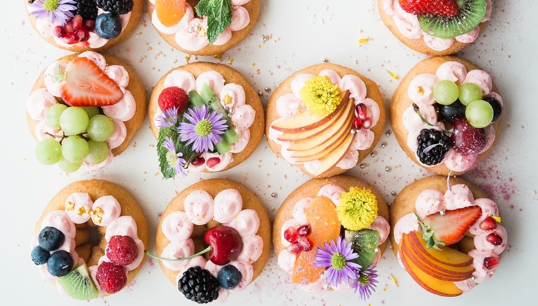 Stunning Cakes That Are ALMOST Too Pretty To Eat. Photo by Brooke Lark  #cake #dessert #food #yummy #delicious #sweet #bakery #cupcakes #tasty #healthy #food #cleaneating #healthyfood #yum #eatclean #healthyeating #healthylifestyle #healthyliving #fruit #flagwix