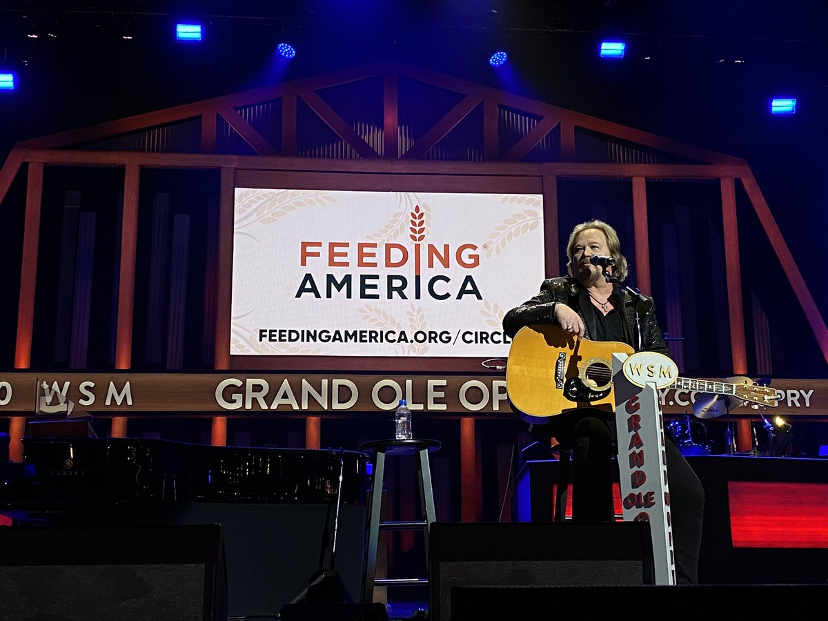Tonight's show benefits @FeedingAmerica.   Join us and donate here:
