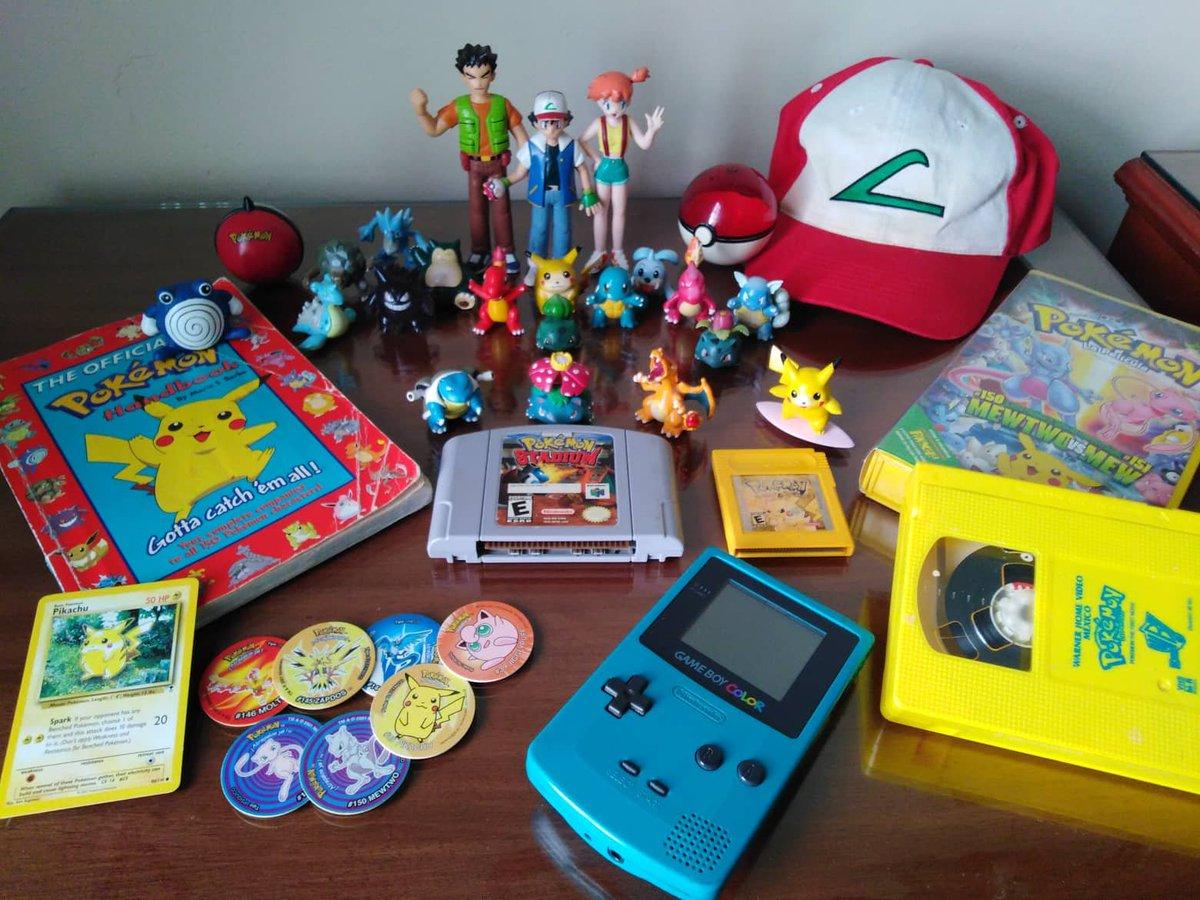 #PokemonDay #Pokemon25 Pkmn Trainer since 1999. Ha sido un viaje fantástico desde la región Kanto hasta la región de Galar. Tantas historias y aventuras a lo largo de estos años y siempre recuerdo con alegría cómo comenzó todo. Felicidades!! 🥳🎂 @Pokemon @NintendoAmerica