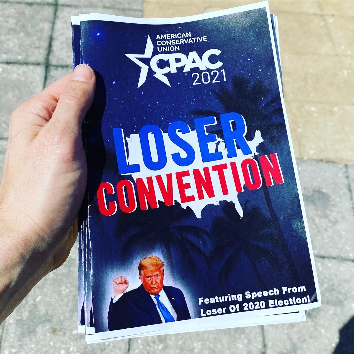 Replying to @TheGoodLiars: Handed out some honest programs at CPAC today.