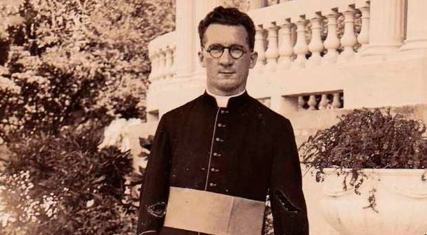 #OnThisDay 1898 Fr Hugh OFlaherty was born in Cork. The Scarlet Pimpernel of the Vatican was a major figure of the Catholic resistance to Nazism. He avoided SS assassination attempts & saved the lives of 6500 Allied soldiers& Jewish civilians during WW2. #Ireland #History #WW2