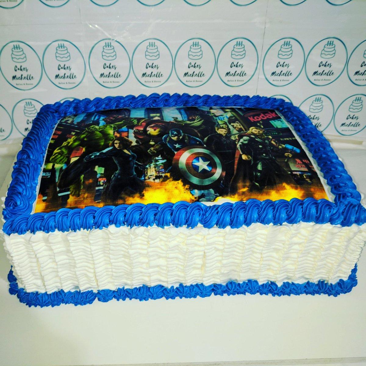 Bolo decorado em chantilly com tema Vingadores 🎂🍰🥧🥞  #cakes #bolos  #chantilly #cakesmichelle #sweet #bolosdecorados #cakedesigner #confeitaria #loveconfeitaria  #bolodefesta #festamenino