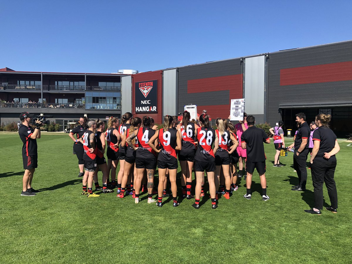 Replying to @essendonfcw: Hot contest at the NEC Hangar 🔥  Q1 ESS 0.2.(2) SAINTS 1.2.(8)