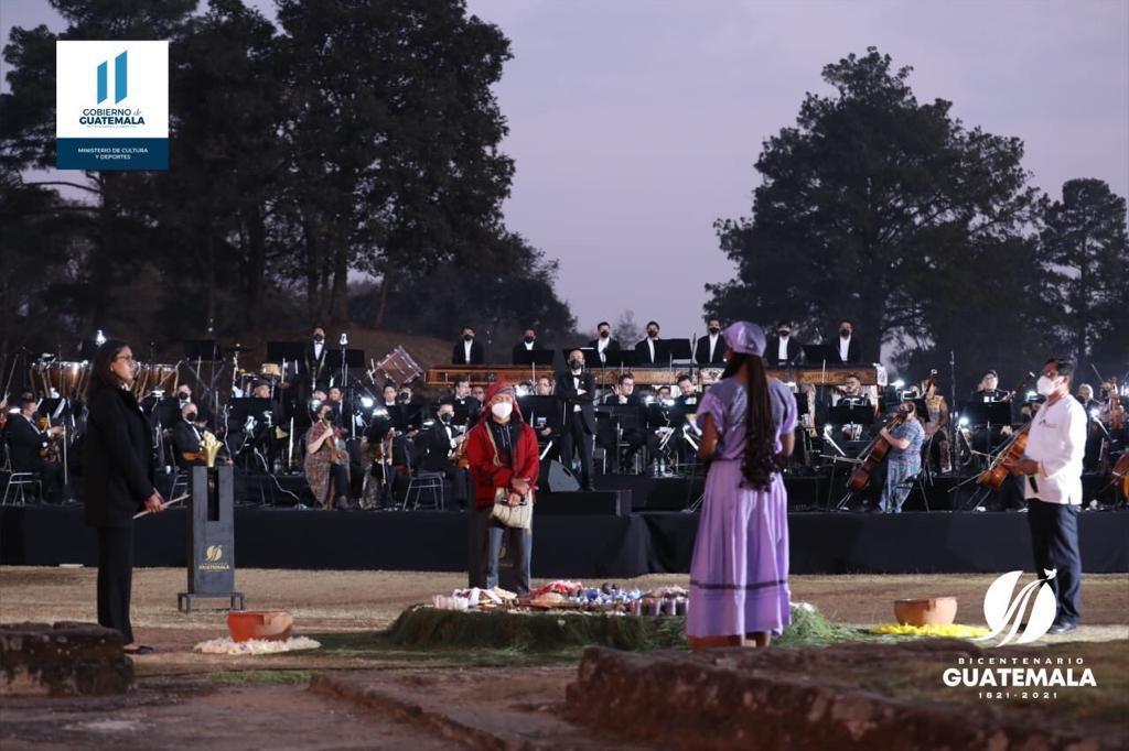 test Twitter Media - El Ministerio de Cultura y Deportes realiza la inauguración de las actividades del Bicentenario de Guatemala, en la ceremonia se encuentra el Presidente Alejandro Giammattei acompañado de alguno de los ministros y el presidente del Congreso, Allan Rodríguez. https://t.co/jh9M49LwsQ