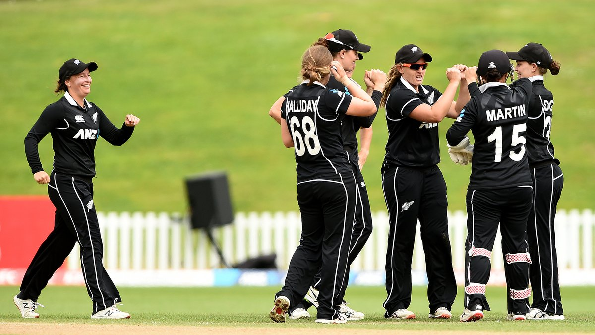 ALL OUT ☝️  @WHITE_FERNS need 221 to win after bowling England out with Amelia Kerr taking four wickets.  #NZvENG