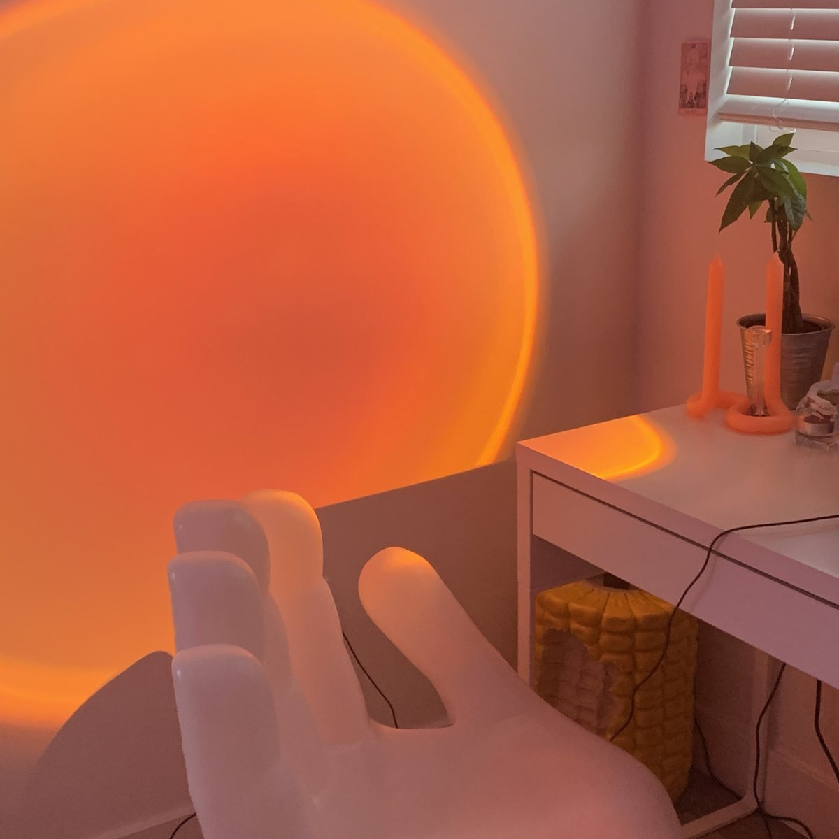 """Jacinda on Twitter: """"so my sunset lamp arrived and i love it - the only  minor problem i have with it is, i wish it was brighter… """""""