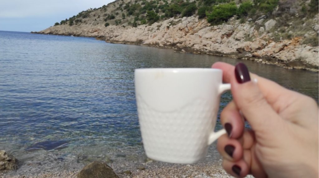 Dear Twitter friends!❤️  Enjoy Sunday morning!😍  Greetings from Montenegro!🖐️  #nature #Coffee #photooftheday #Travel #travelphotography #beach