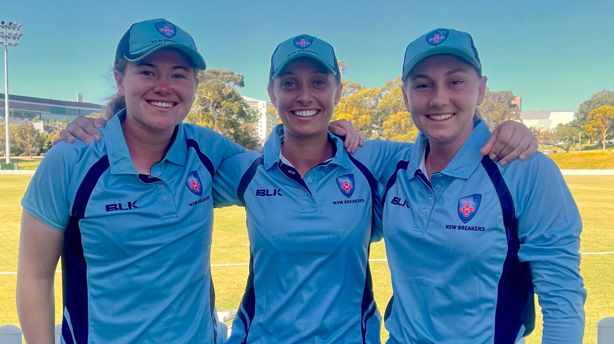 ICYMI: Friday's #WNCL match marked the first time a domestic cricket team had three Indigenous players, with Hannah Darlington, Ashleigh Gardner and Anika Learoyd lining up for the Breakers 🖤💛❤