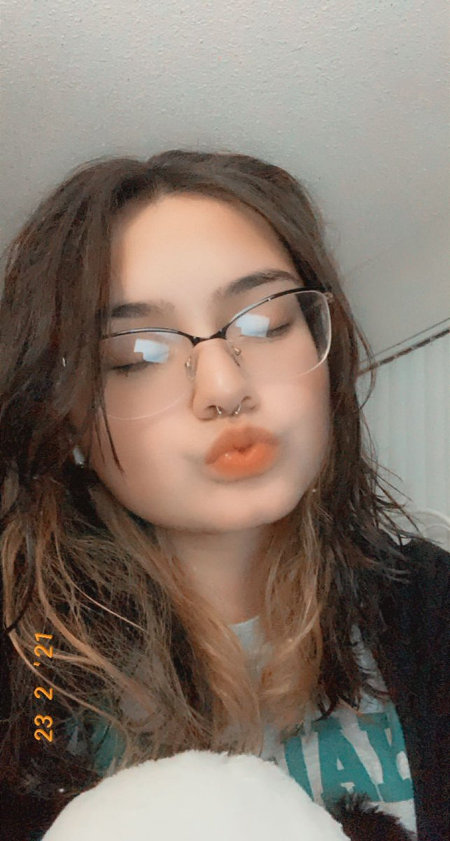 """""""that's poggers, awhh that's poggers""""      -       #QUACKTWTSELFIEDAY       -        • rt's are pog <3 tyyy"""