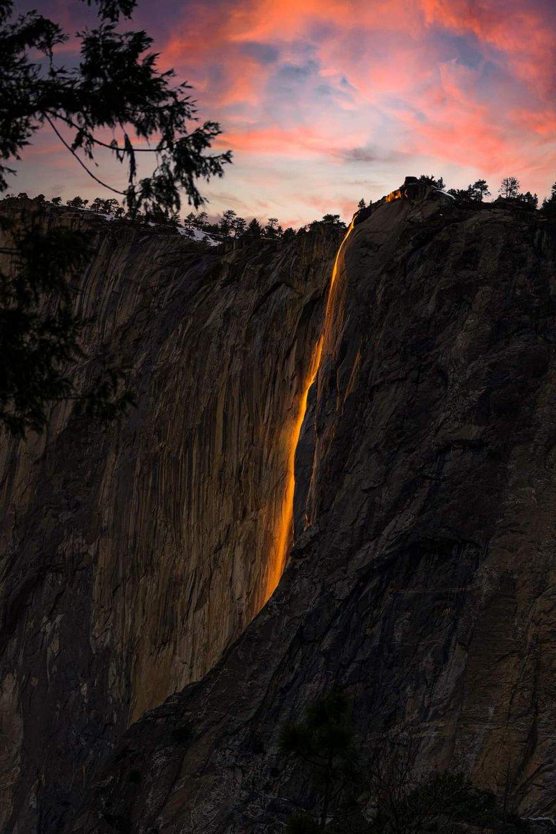 The Stunning Yosemite firefall 2021   #photography by Google Varin