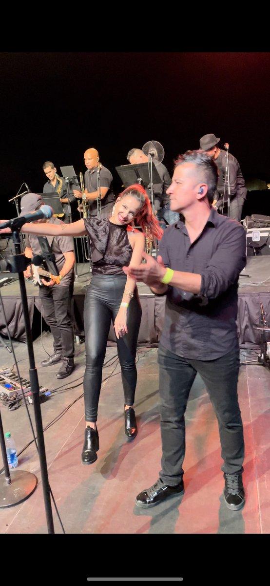 Yo no sé mañana pero hoy tocamos!!!! 🙌🏽♥️ Se me nota la felicidad? 😁 Después de casi un año, hoy volvimos a compartir escenario 💪🏽🌟 #luisenrique #miamiband #music #singersongwriter #orlando #salsa #livemusic