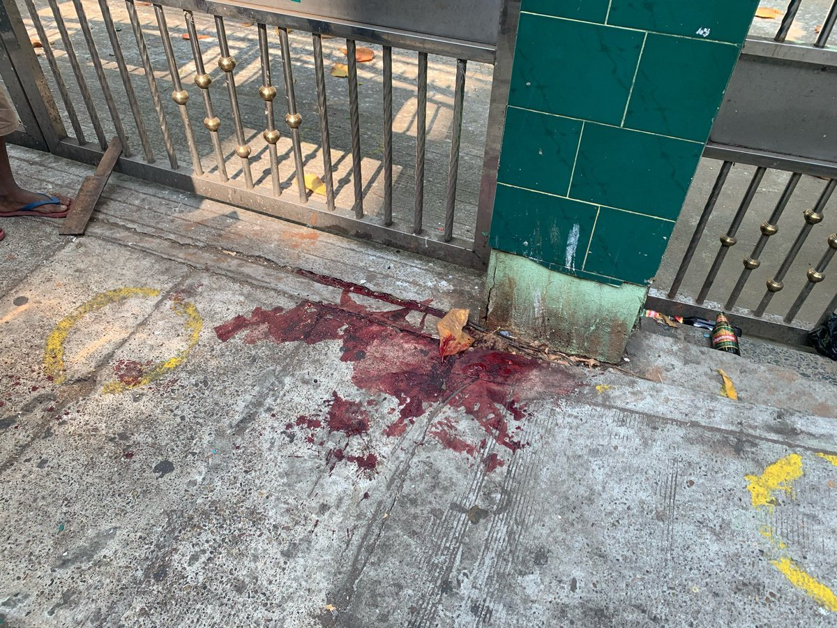 Protesters say one man has been killed after police opened fire on people sheltering in a bus stop at Hledan. Several others have been injured. Police began firing live rounds at around 8:45am. #WhatsHappeningInMyanmar  #milkteaalliancemyanmar  Read more: