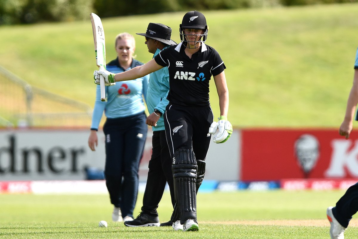 4000 ODI runs for Amy Satterthwaite 🔥  She is only the third New Zealand batter to reach the milestone, and the 10th overall in women's ODIs.  What a star! 🌟  #NZvENG