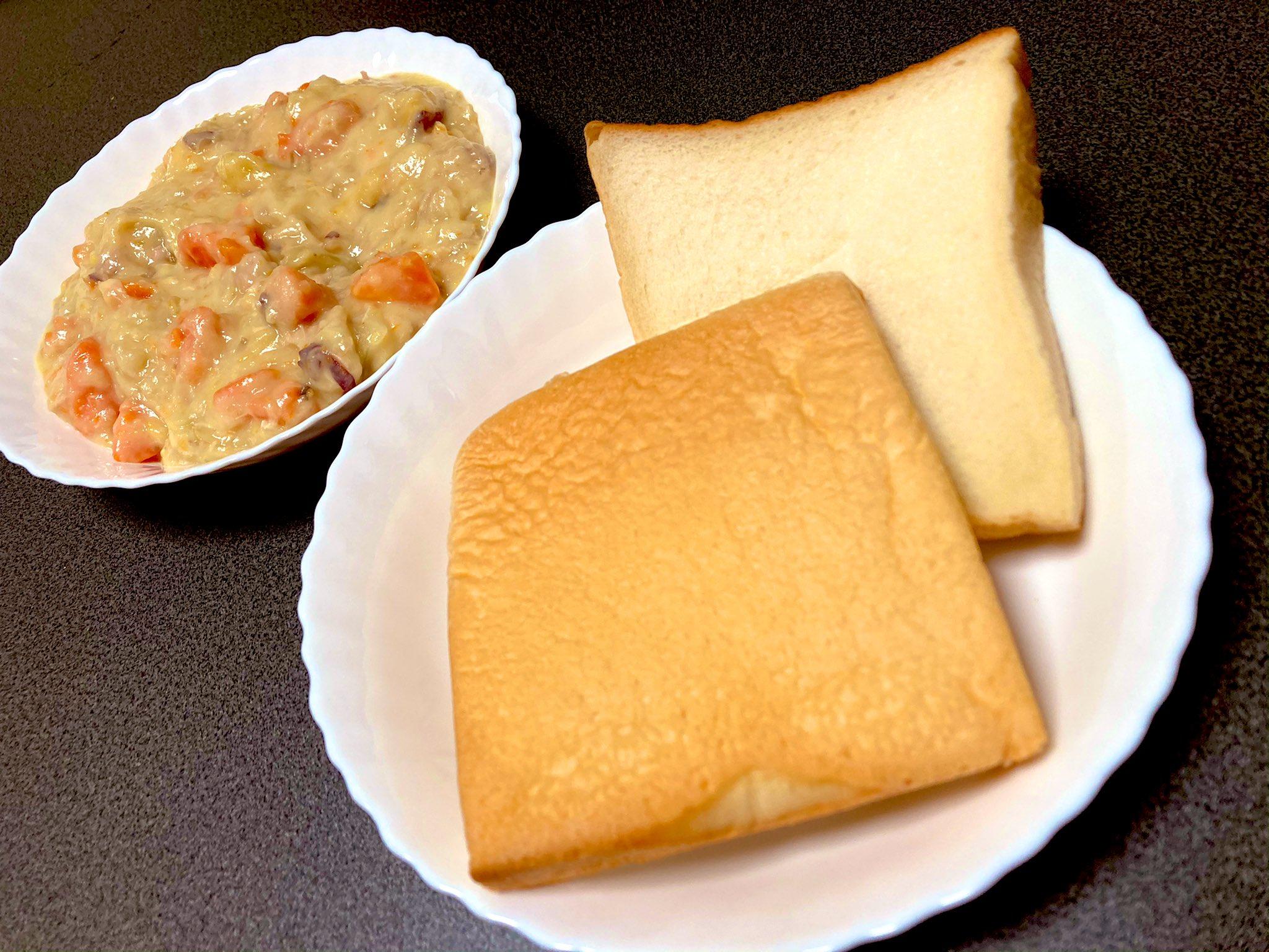 濃厚シチューと一本堂の生クリーム食パン