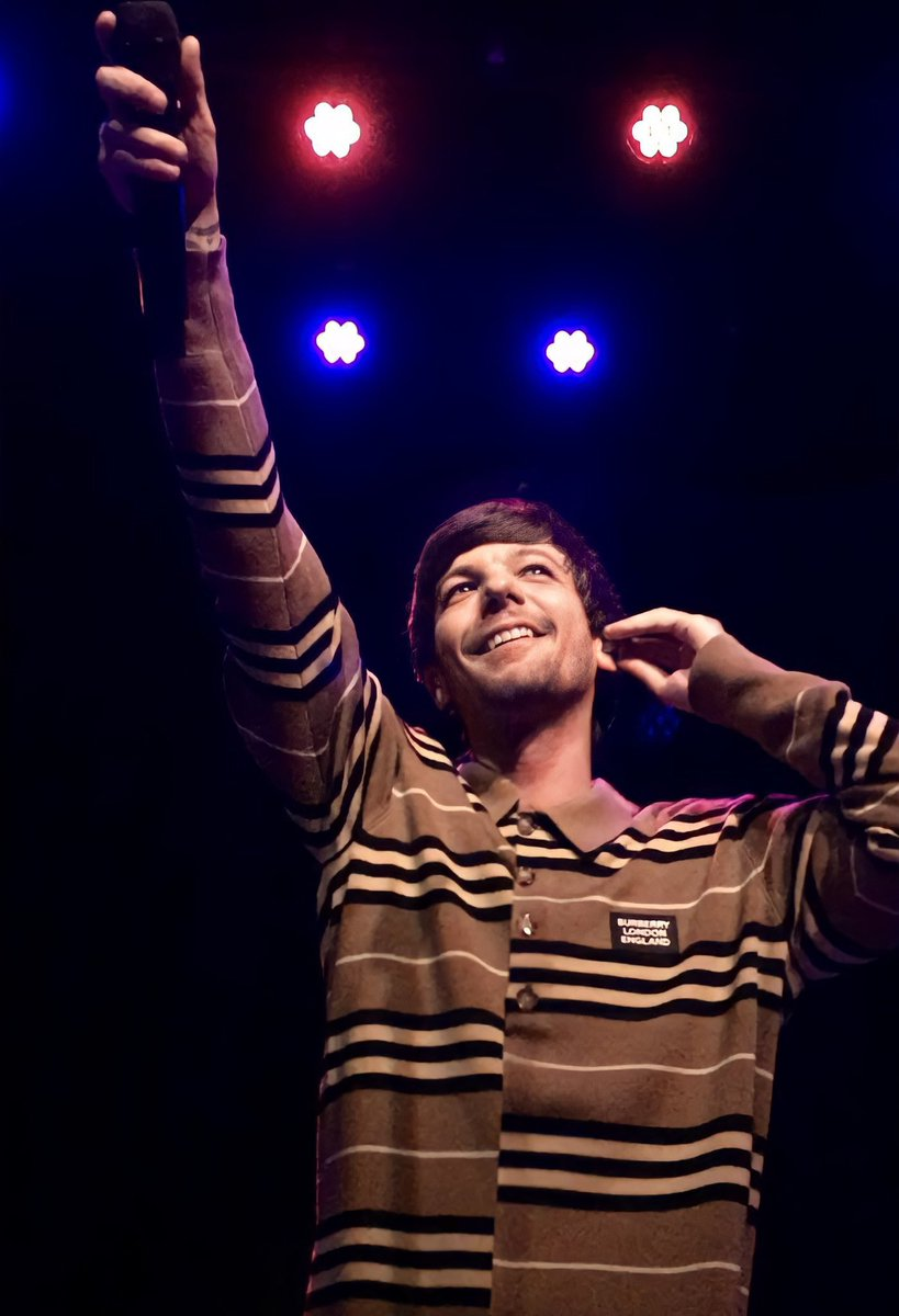 Hello @OnAirRomeo @MostRequestLive. Please play #Defenceless by @Louis_Tomlinson on #MostRequestedLive Thank you! 🙏