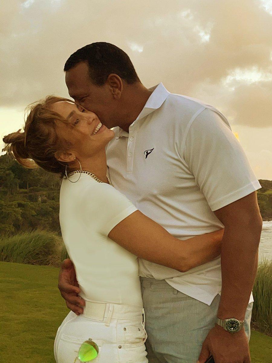 Replying to @JLo: Feliz día de la independencia Dominicana ✨🌴✨ @arod #Macho