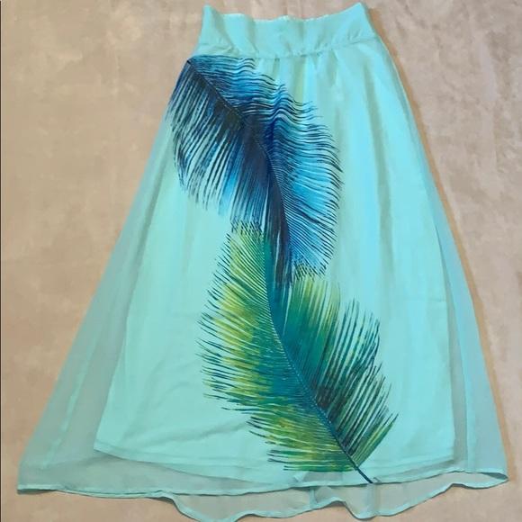 So good I had to share! Check out all the items I'm loving on @Poshmarkapp #poshmark #fashion #style #shopmycloset #newyorkcompany #tedbakerlondon #lole: