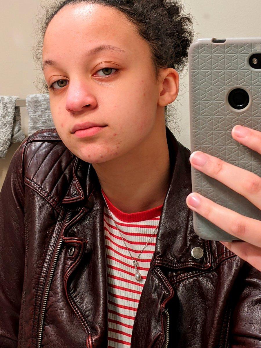I heard y'all like mirror selfies      - #QUACKTWTSELFIEDAY            - rt's appreciated