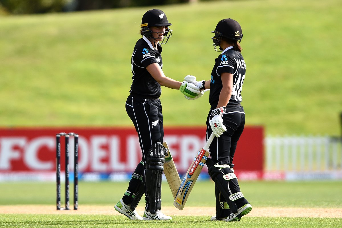New Zealand win 👏  Satterthwaite's century and Kerr's half-century help the hosts chase down 221 for a seven-wicket victory!   England still take the series 2-1.  #NZvENG