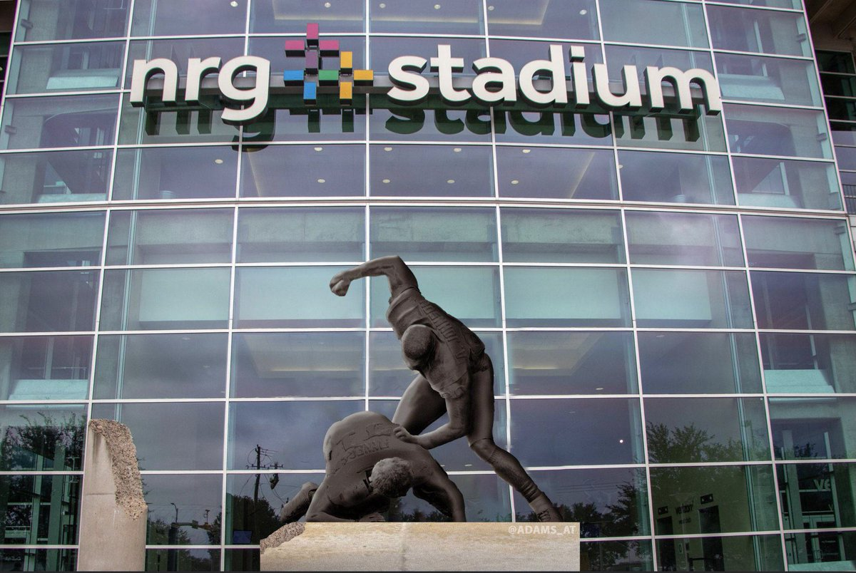 Replying to @adams_at: @NFL_Memes @colinlaird999 They have a statue of this at NRG Stadium